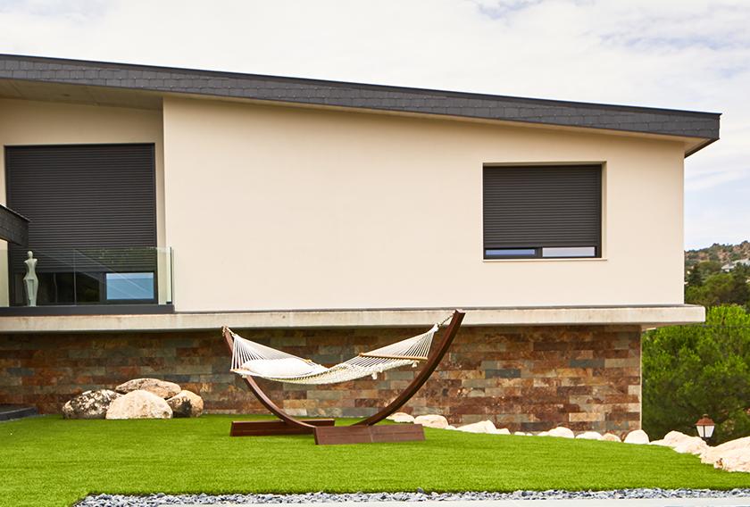 Cómo afecta el impacto climático a la pintura exterior de tu casa o edificio